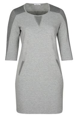 Kleid in entspannter Passform aus warmem Strick, Grau