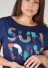 """T-Shirt mit Aufdruck """"Sun Day"""", Indigo"""