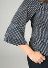 Bluse mit geometrischem Aufdruck und Volantärmeln, Multicolor