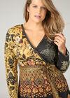 Bedrucktes Kleid aus Wildlederimitat, ocker